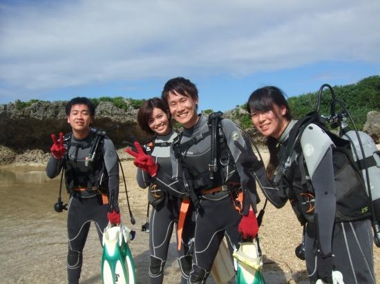枝元様チーム:沖縄体験ダイビングコースのご紹介
